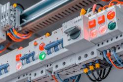 Schalt- und Steuergeräte LED